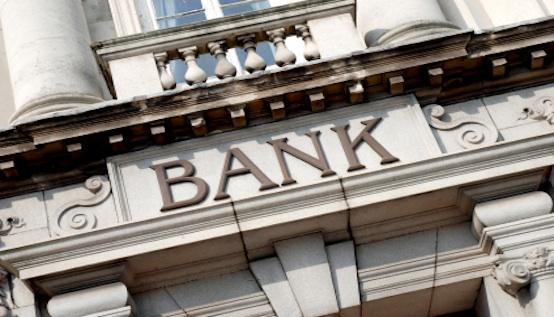 Banco Credito Probit Logit